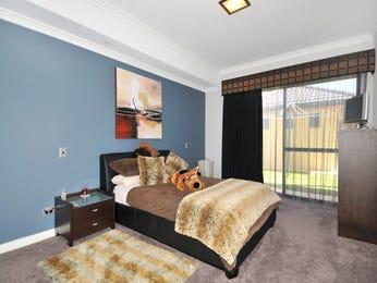 Classic bedroom design idea with carpet & sliding doors using beige colours - Bedroom photo 417602
