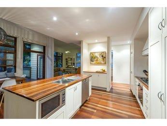 Floorboards in a kitchen design from an Australian home - Kitchen Photo 8008085