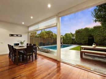 Indoor-outdoor outdoor living design with balcony & decorative lighting using grass - Outdoor Living Photo 204118