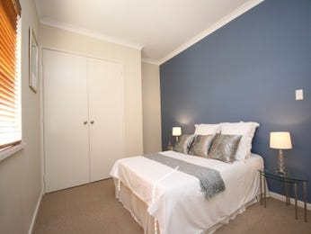 Country bedroom design idea with carpet & built-in wardrobe using blue colours - Bedroom photo 208097
