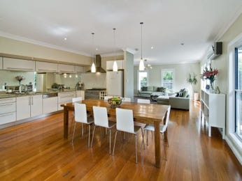 Classic kitchen-dining kitchen design using hardwood - Kitchen Photo 209475