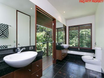 Modern bathroom design with floor-to-ceiling windows using ceramic - Bathroom Photo 17228469