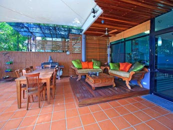 Outdoor living design with bbq area from a real Australian home - Outdoor Living photo 259792