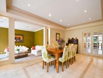 Classic dining room idea with glass & french doors - Dining Room Photo 1575322