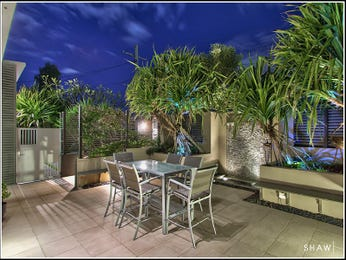 Outdoor living design with outdoor dining from a real Australian home - Outdoor Living photo 1595849
