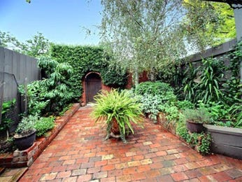 Australian native garden design using tiles with retaining wall & rockery - Gardens photo 261919