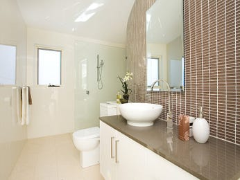 Ceramic in a bathroom design from an Australian home - Bathroom Photo 262553