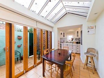 Modern dining room idea with glass & bar/wine bar - Dining Room Photo 1562918