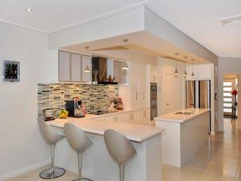 Classic galley kitchen design using marble - Kitchen Photo 263100