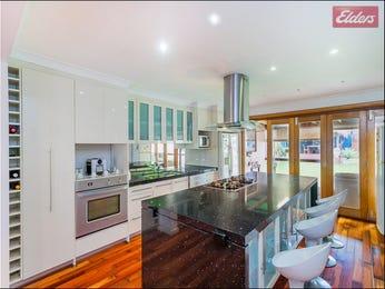 Floorboards in a kitchen design from an Australian home - Kitchen Photo 8055145