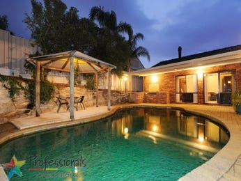 Freeform pool design using pavers with gazebo & decorative lighting - Pool photo 1208074