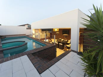 Photo of a geometric pool from a real Australian home - Pool photo 728917