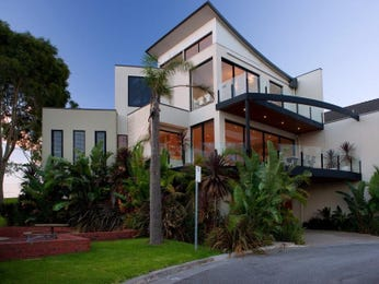 Concrete modern house exterior with balcony & landscaped garden - House Facade photo 268642