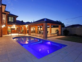 In-ground pool design using brick with cabana & outdoor furniture setting - Pool photo 1598488