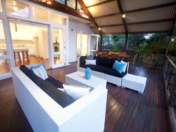 Outdoor living design with deck from a real Australian home - Outdoor Living photo 8504845