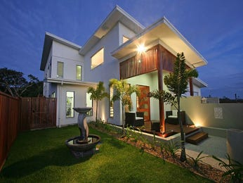 Concrete modern house exterior with porch & landscaped garden - House Facade photo 471329