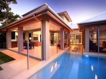 Freeform pool design using glass with glass balustrade & decorative lighting - Pool photo 270281