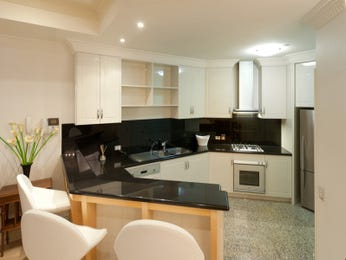 Retro kitchen-dining kitchen design using granite - Kitchen Photo 270360