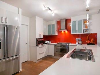 Modern open plan kitchen design using frosted glass - Kitchen Photo 7059093