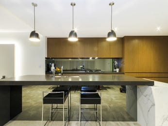 Modern open plan kitchen design using marble - Kitchen Photo 14983313