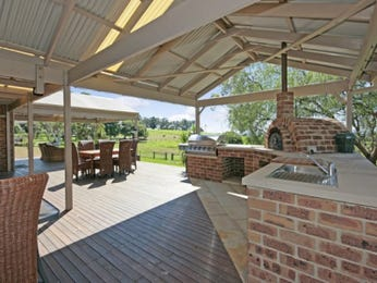 Outdoor living design with bbq area from a real Australian home - Outdoor Living photo 273110