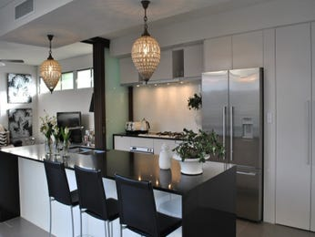 Chandelier in a kitchen design from an Australian home - Kitchen Photo 8598177