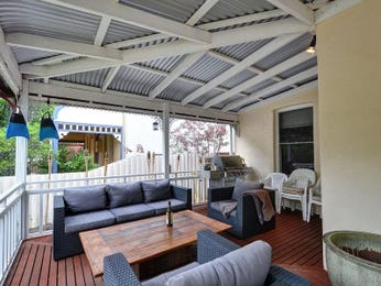 Enclosed outdoor living design with bbq area & outdoor furniture setting using timber - Outdoor Living Photo 1390764