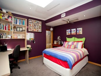 Children's room bedroom design idea with carpet & built-in desk using purple colours - Bedroom photo 1186948