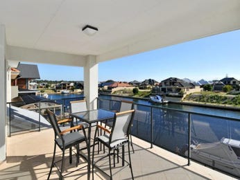 Outdoor living design with balcony from a real Australian home - Outdoor Living photo 322193