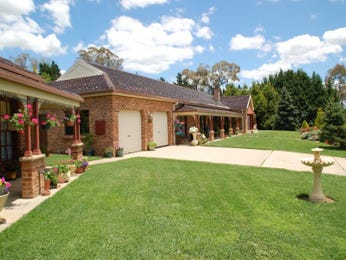 Landscaped garden design using brick with verandah & fountain - Gardens photo 838408