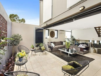 Outdoor living design with bbq area from a real Australian home - Outdoor Living photo 16014613