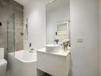 Ceramic in a bathroom design from an Australian home - Bathroom Photo 8502585