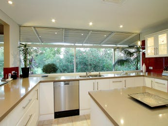 Modern island kitchen design using glass - Kitchen Photo 1309815