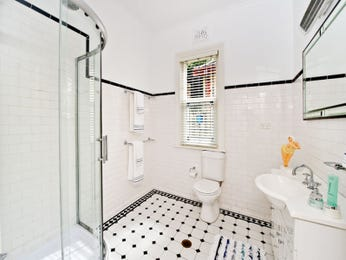 Glass in a bathroom design from an Australian home - Bathroom Photo 1230833