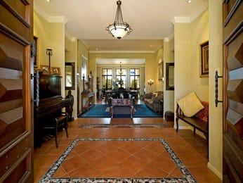 Casual dining room idea with carpet & bi-fold doors - Dining Room Photo 342660