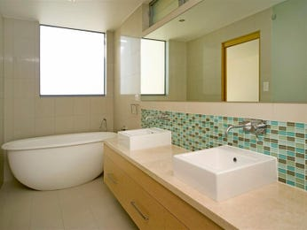 Marble in a bathroom design from an Australian home - Bathroom Photo 1278075