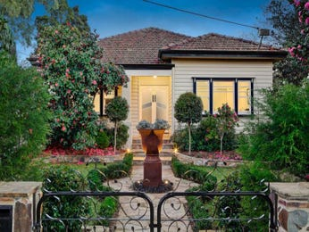 Photo of a landscaped garden design from a real Australian home - Gardens photo 323066