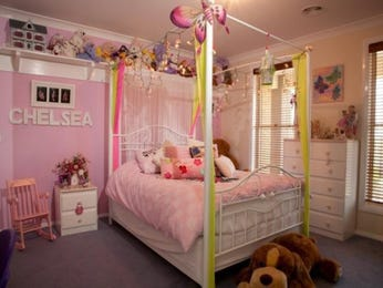 Children's room bedroom design idea with carpet & louvre windows using white colours - Bedroom photo 323309