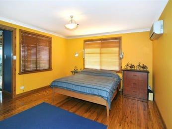 Gold bedroom design idea from a real Australian home - Bedroom photo 991329