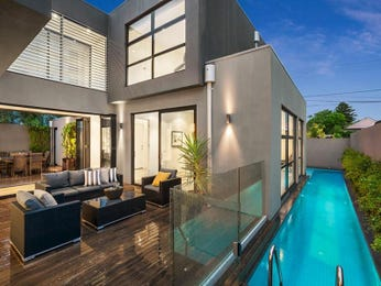 Outdoor living design with glass balustrade from a real Australian home - Outdoor Living photo 7514741