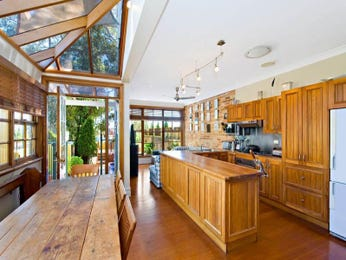 Country kitchen-dining kitchen design using floorboards - Kitchen Photo 635034