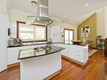 Modern l-shaped kitchen design using hardwood - Kitchen Photo 1502209
