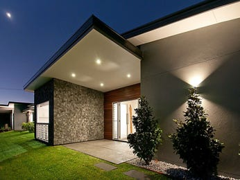 Low maintenance garden design using grass with verandah & decorative lighting - Gardens photo 1195730