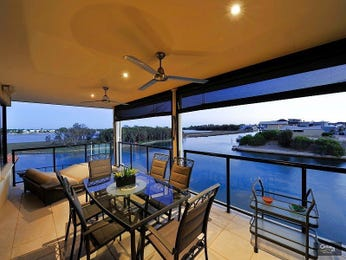 Enclosed outdoor living design with outdoor dining & outdoor furniture setting using pavers - Outdoor Living Photo 1175329
