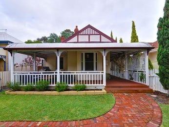 Brick victorian house exterior with verandah & landscaped garden - House Facade photo 1390756