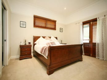 Classic bedroom design idea with leather & bi-fold doors using white colours - Bedroom photo 419051