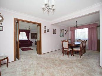 Formal dining room idea with carpet & bi-fold doors - Dining Room Photo 1221664