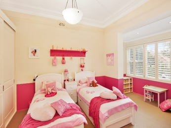 Children's room bedroom design idea with carpet & louvre windows using pink colours - Bedroom photo 1602173