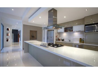 Glass In A Kitchen Design From An Australian Home Kitchen Photo 514769