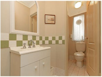 Ceramic in a bathroom design from an Australian home - Bathroom Photo 831328